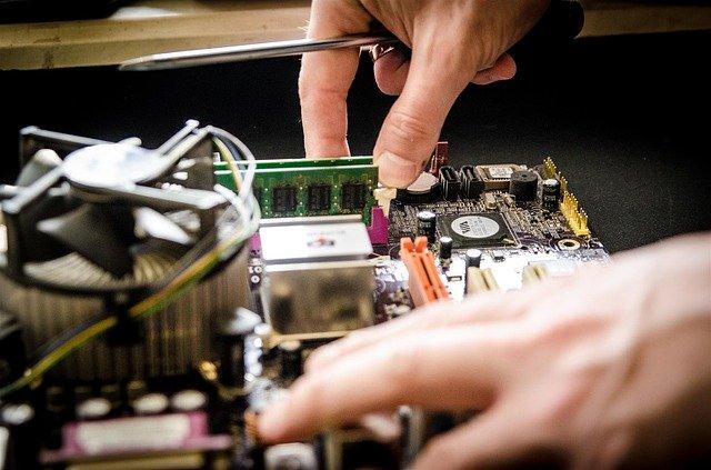 שירותי מעבדה למחשבים